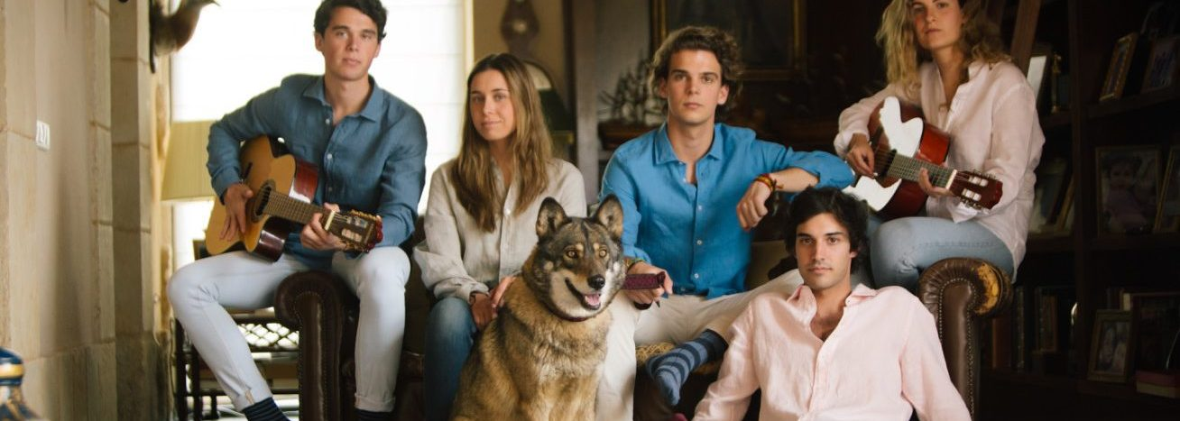 the wolf camisas